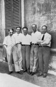 From left to right, D'Agostino, Segré, Arnaldi, Rasetti  and Fermi. Not shown are Mjorana and Pontevarvo, who like many others experienced radically different fates.