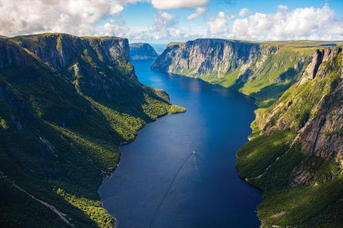 how-to-get-your-photo-taken-at-the-iconic-western-brook-pond-fjord-2
